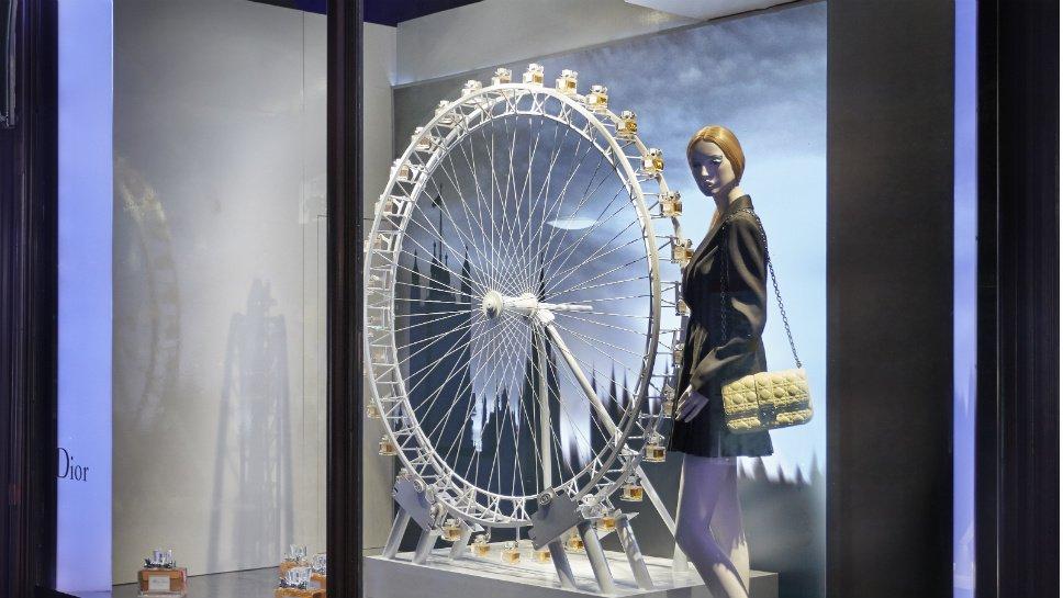 luxury_Dior_Harrods_Pop_up_Window_Displays_05