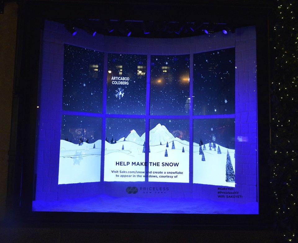 Luxury_window-displays_saks-fifth-avenue_2013_christmas_the-yeti-story_interactive