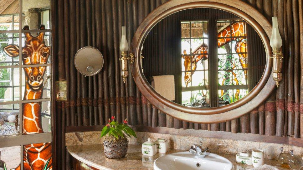Luxury_OlJogi-Swara_bathroom