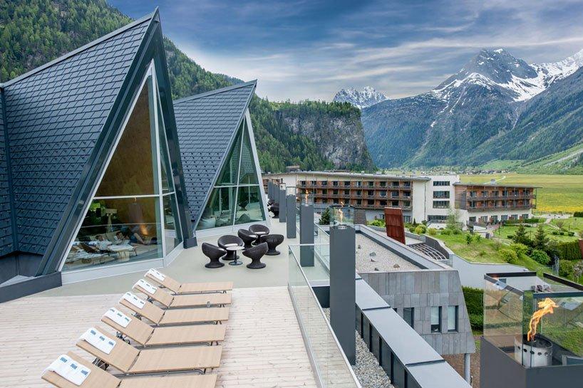 Luxury_aqua-dome-resort