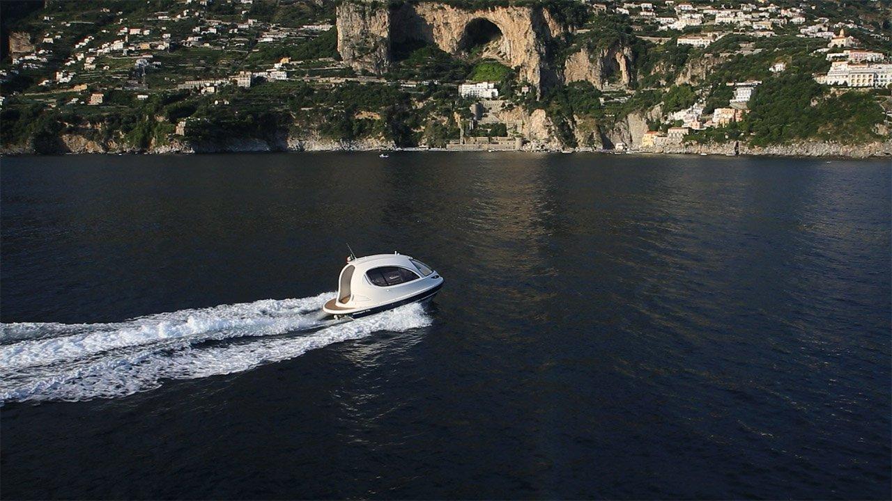 Luxuryretail_The_Jet_Capsule_sea-cost