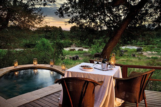 Luxury_Luxe-Lion-Sands-Game-Reserve-In-Sabi-Sands-South-Africa-table