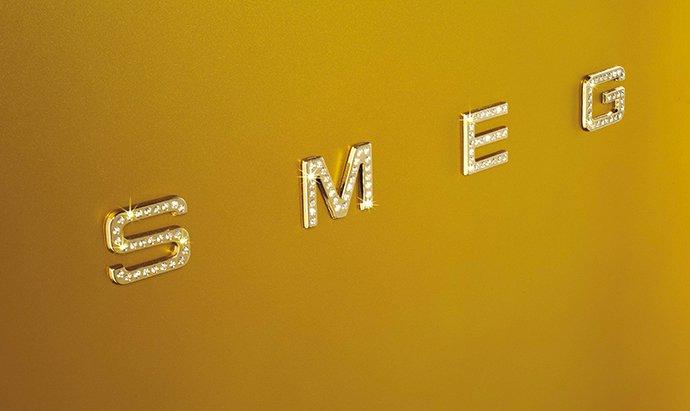 Luxuryretail_Smeg-Gold-Retro-Fridge-Boasts-Swarovski-Adornments-letters