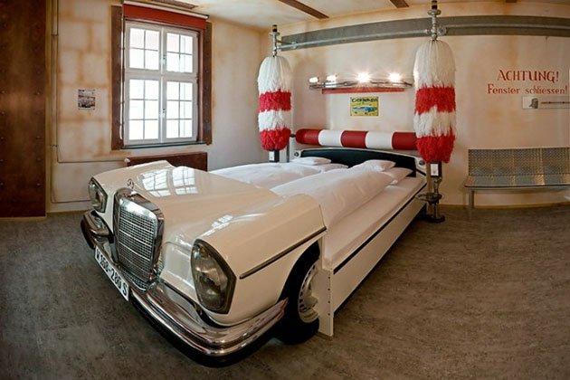 Stuttgart's V8 Hotel