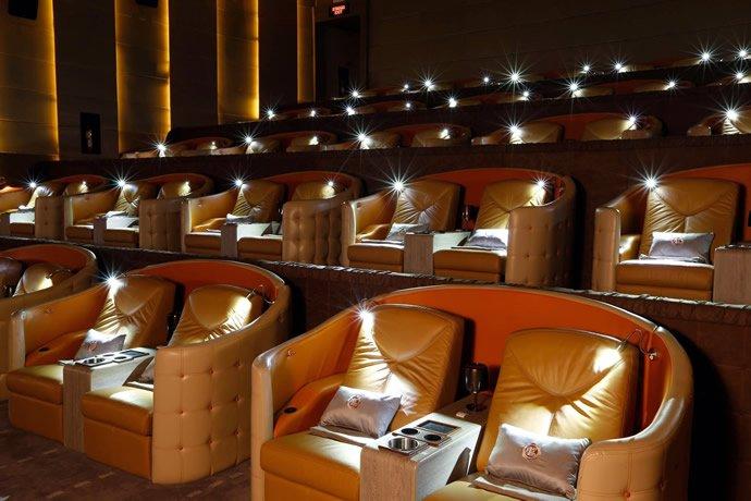 Luxuryretail_embassy-diplomat-screens-sofa