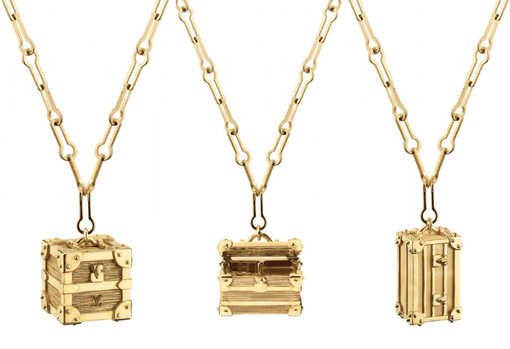 Luxuryretail_Luxe-Miniature-Gold-Trunks-By-Louis-Vuitton-all