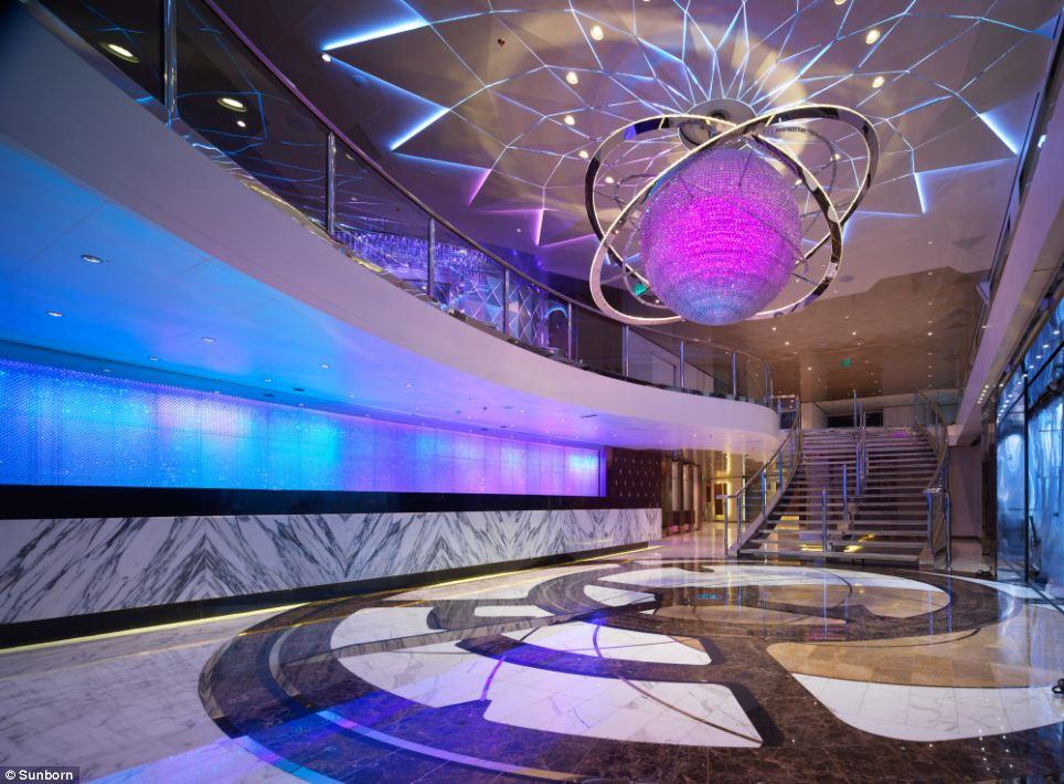Luxuryretail_Sunborn-Yacht-Hotel-ballroom