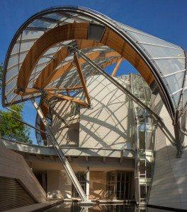 Luxuryretail_frank-gehry-paris-fondation-louis-vuitton-glass