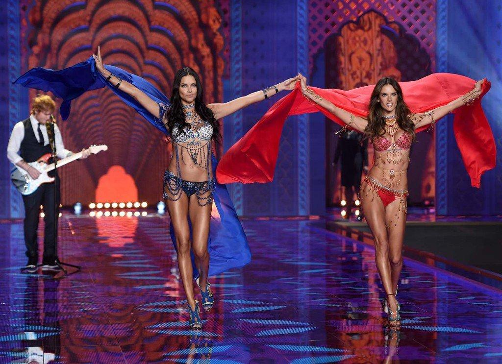 Luxuryretail_victorias_secret_fashion_week_2014-Adriana-Lima-Alessandra-Ambrosio