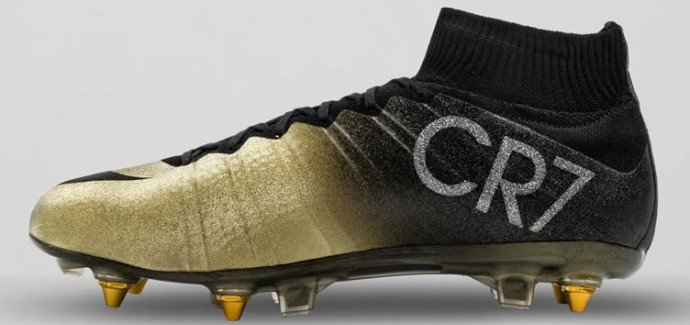 CR7 RARE GOLD BOOTS