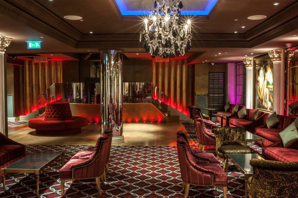 Luxuryretail_NO-41-Mayfair-a-private-members-club-entrace