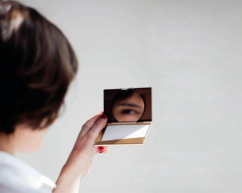 Luxuryretail_fine-collection-pauline-deltour-lexon-cardholder-woman