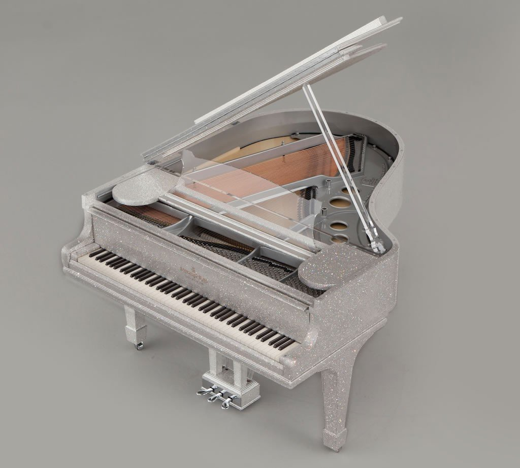 Luxuryretail_goldfinch-masterpiece-luxurious-piano-Swarovski-air