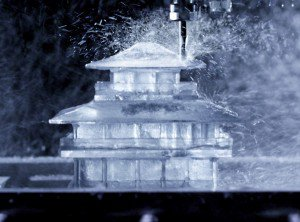 Luxuryretail_CNC-milled-ice-cubes-japanese-brewing-suntory-temple-shaped-ice