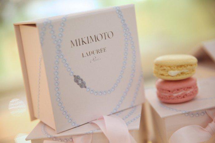 Luxuryretail_Laduree-x-Mikimoto-lychee-rose-macarons-box