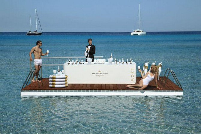Moët Ice Impérial in the pool