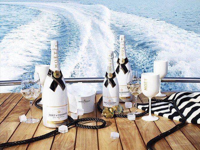 Luxuryretail_Moet-Ice-Imperial-sea