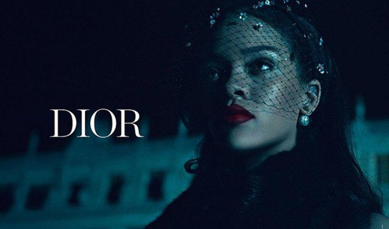 Luxuryretail_Rihanna-Dior-Secret-Garden-night