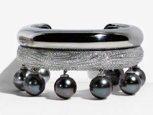 Luxuryretail_jewellery_tiffany_blue_book_2015_Tahitian-Pearl-Diamond-Bracelet