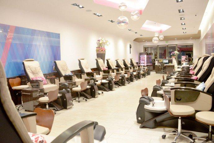 Luxuryretail_Images-Luxury-Nail-Lounge-salon