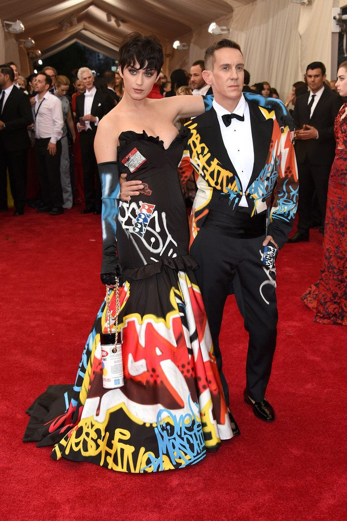 Luxuryretail_Katy-Perry-2015-Met-Gala-Wearing-Moschino