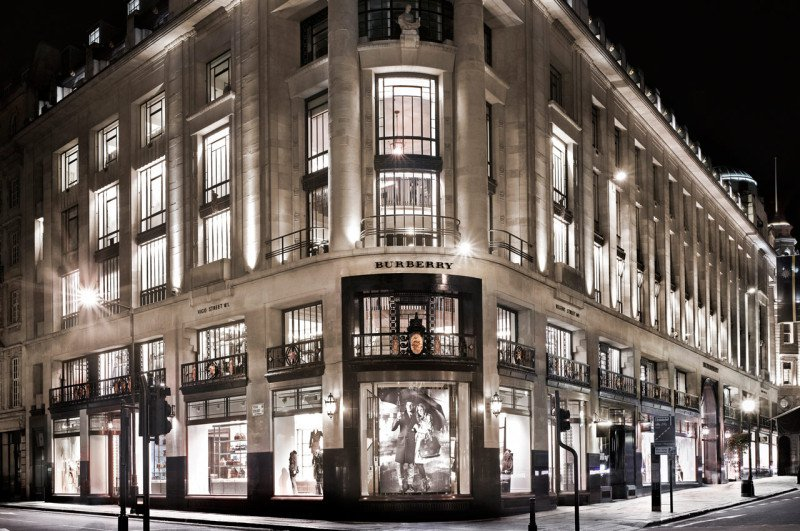 Luxuryretail_burberry-London-flagship-regent