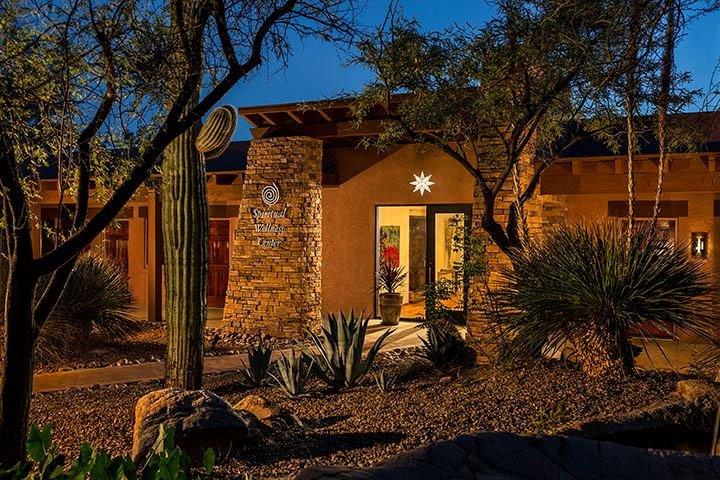 Luxuryretail_canyonranch-arizona