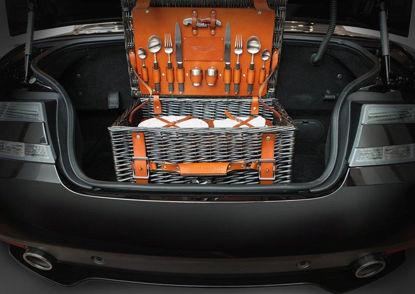 Luxuryretail_Aston-Martin-picnic-car
