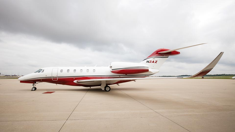 Luxuryretail_delta-Private-Jets-aircraft