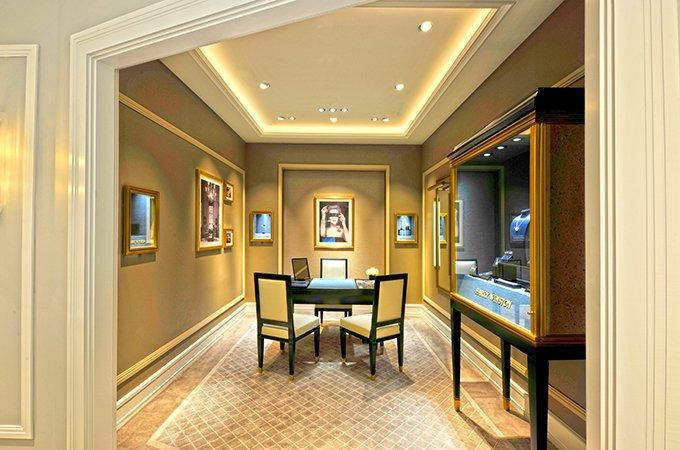Luxuryretail_harry-winston-reopens-salon-harrods-VIP