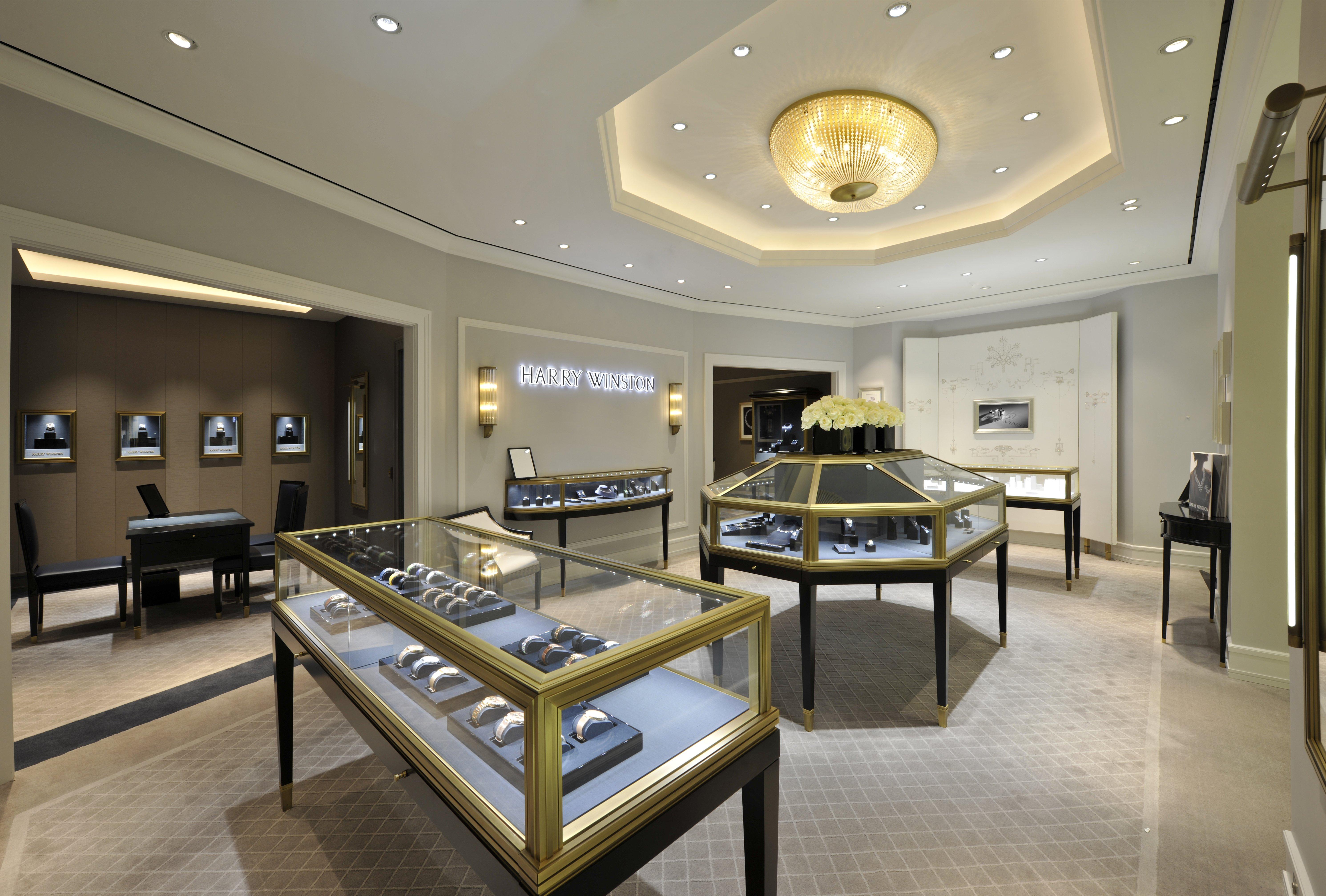 Luxuryretail_harry-winston-reopens-salon-harrods-clients