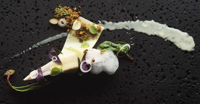 Luxuryretail_the-gastronomy-journey-dom-perignon-BACCHANALIA