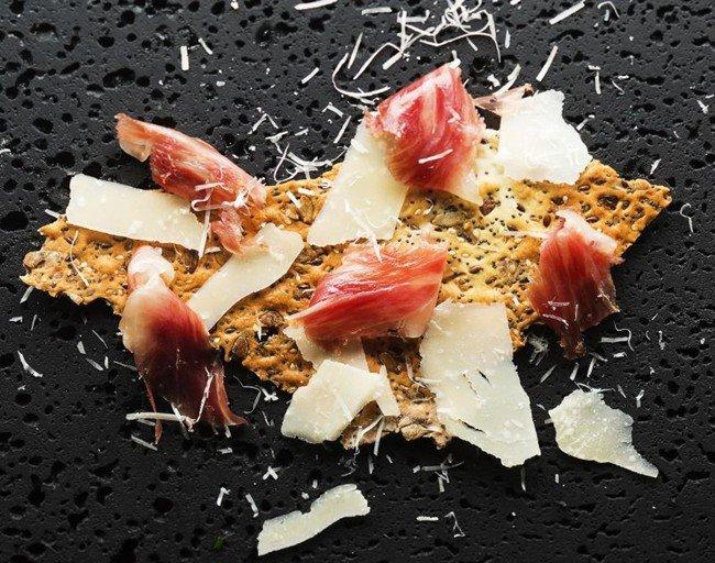 Luxuryretail_the-gastronomy-journey-dom-perignon-BEDROCK-BAR-GRILL