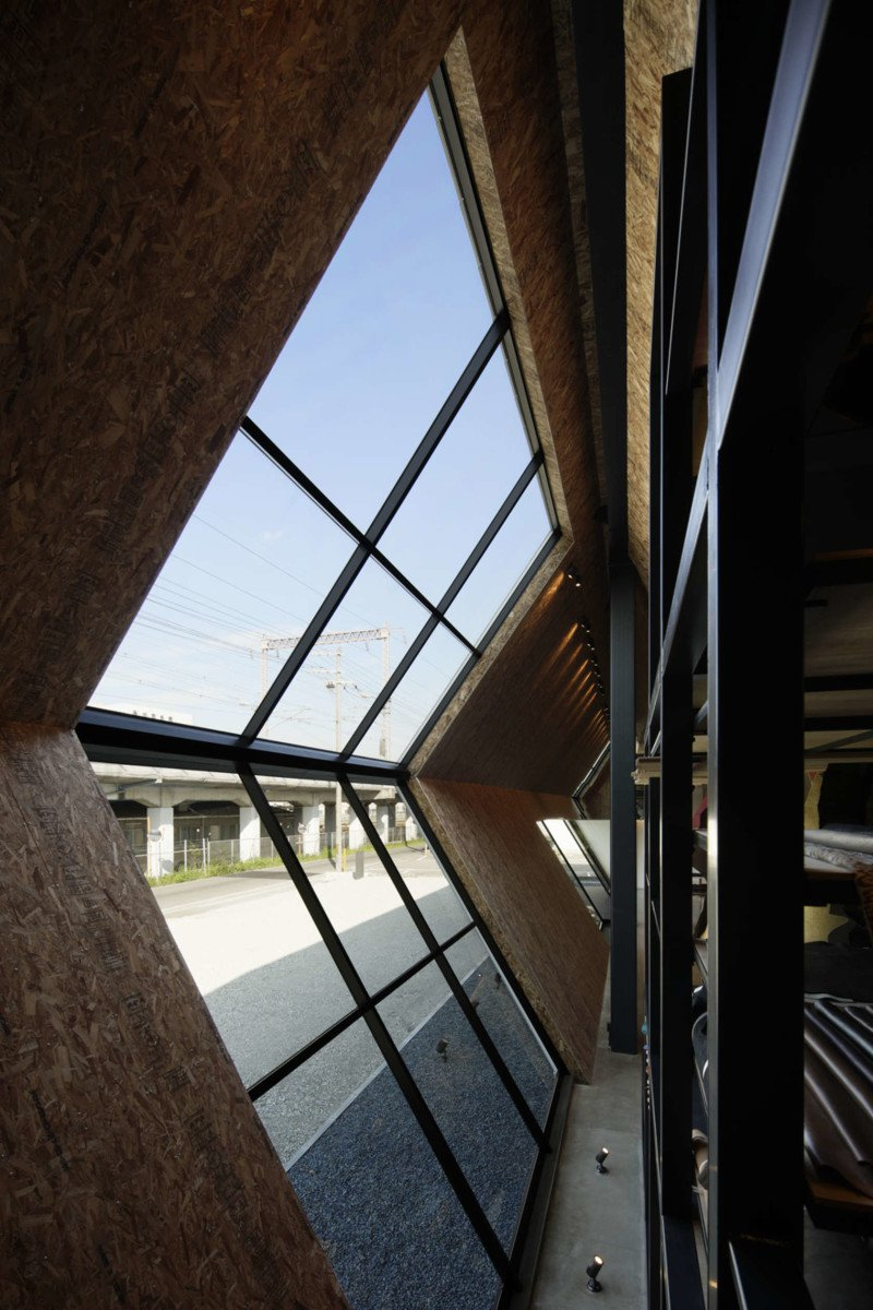Luxuryretail_Showroom-origami-ark-windown