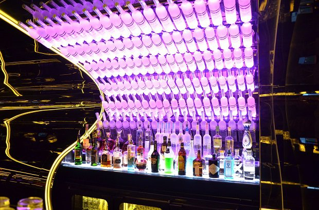 Luxuryretail_Bond-Club-Melbourne-bar-bottle