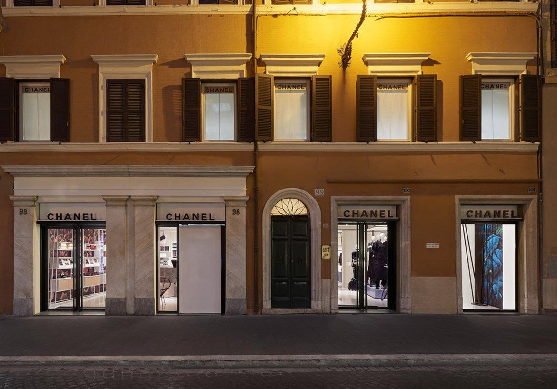 Luxuryretail_Chanel-rome-Via-del-Babuino-windows