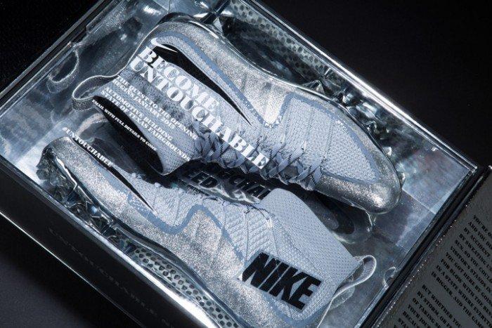 Nike Football Untouchable Shoes Packagin