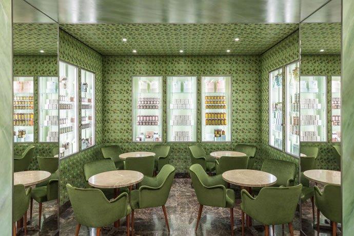 Prada opens a pastry shop
