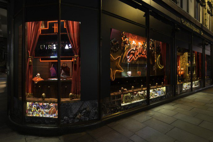 Luxuryretail_once-upon-a-christmas-harrods