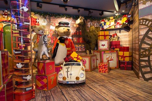 Harrods Christmas Grotto and Disney Cafe