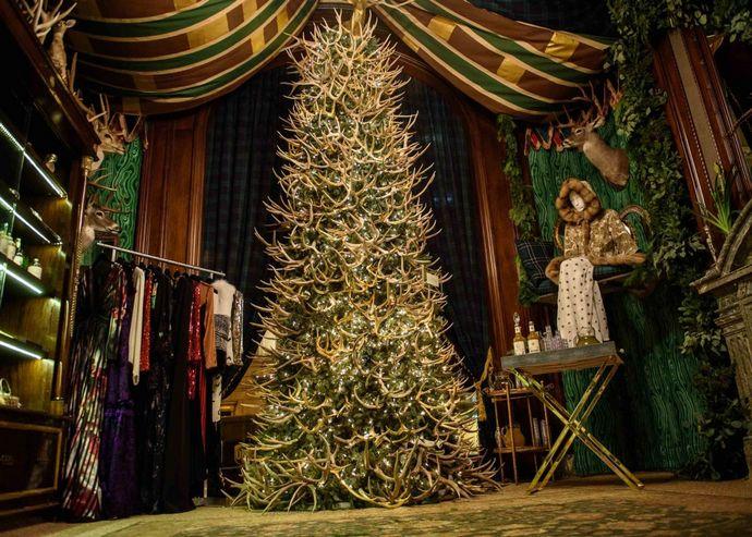 ST. REGIS NEW YORK Welcomes Christmas