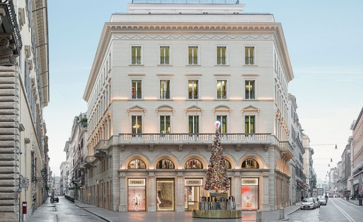 Luxuryretail_Fendi-private-suits-entrace-by-Marco-Costanzi-Rome-Italy