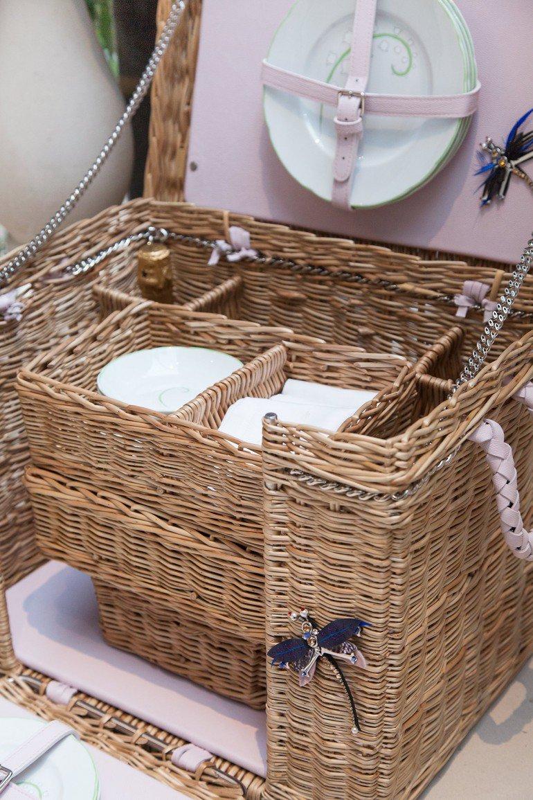 Luxuryretail_christian-dior-new-home-picnic-basket.