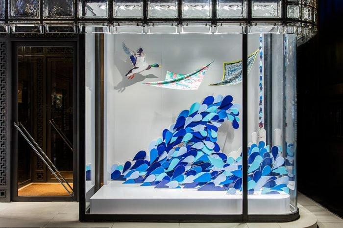 """""""Making waves"""" by Hermès"""
