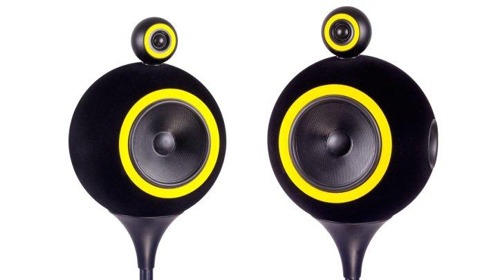Luxuryretail_Deluxe-Acoustics-spherical-Hi-Fi-speakers-yellow