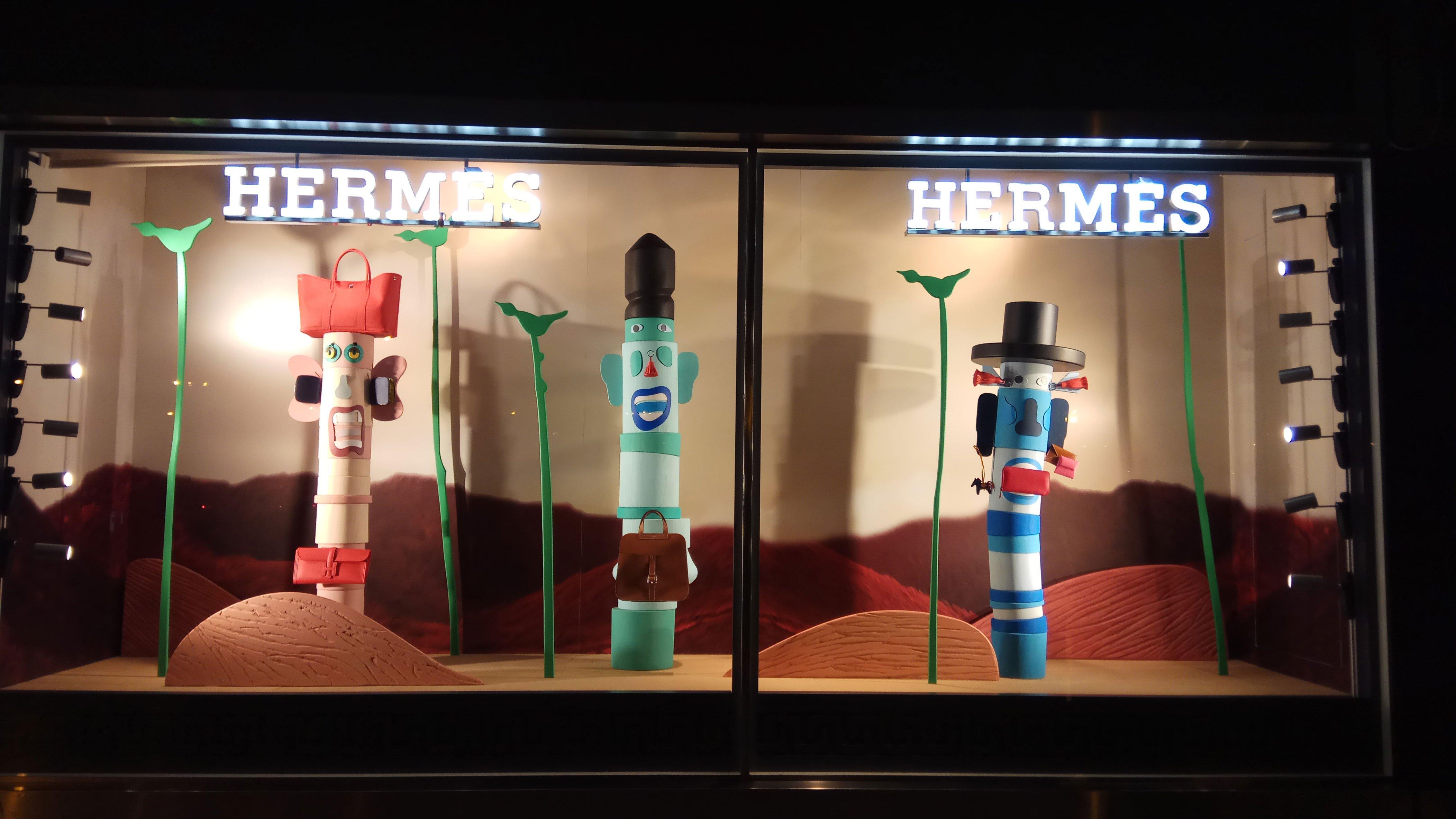Modern Rituals The News Windows Display Of Herm 232 S