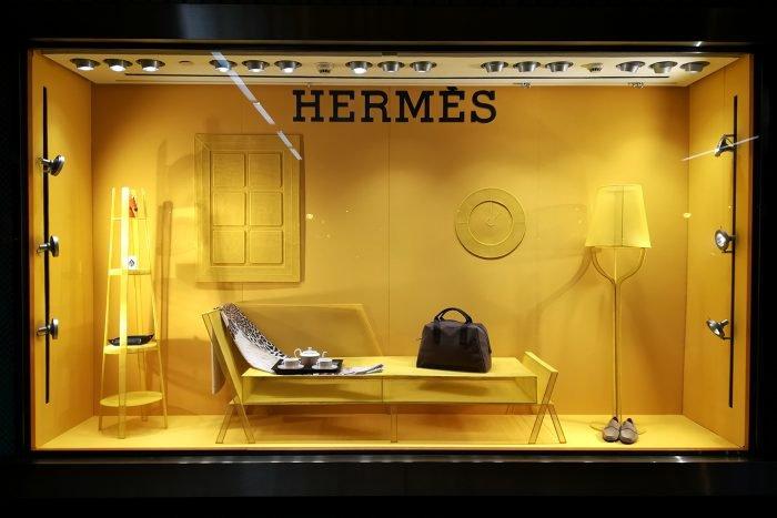 DRAWINGS IN SPACE by Marcel Van Doorn, Hermès Spain
