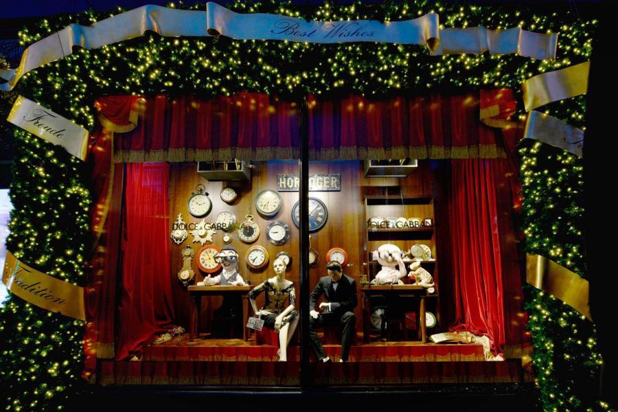 Dolce Amp Gabbana Takes Over Harrods Festive Shop Window
